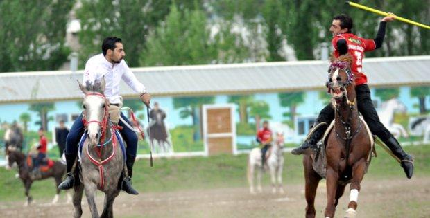 http://www.sivasirade.com/resimler/arsiv/haber/cirit-heyecani-basliyor.jpg
